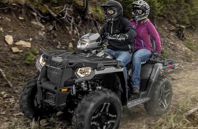 motoboom-2021-sportsman-touring-570-eps-titanium-metallic-action-650×1[1]